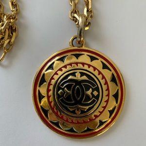 Chanel Vintage Necklace In Gold Color Red Black